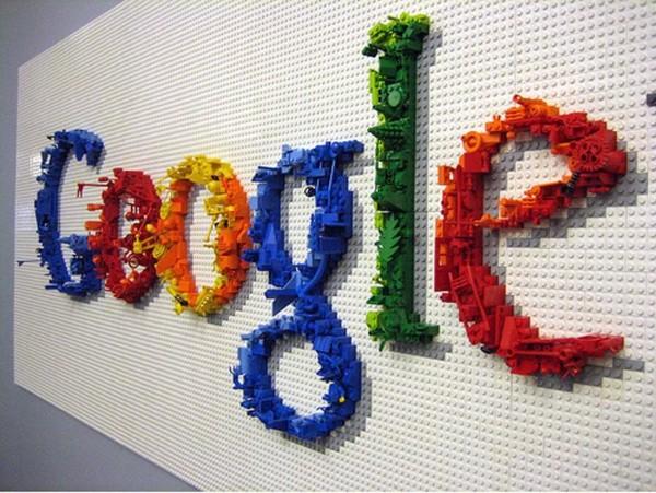 Google обвинили в распространении ложных новостей