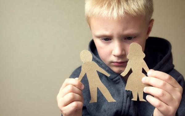 Развод губительно влияет на психику детей