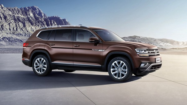 Продажи внедорожника Volkswagen Teramont начнутся с 22 марта