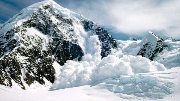 При сходе лавины в Австрии погибли двое лыжников