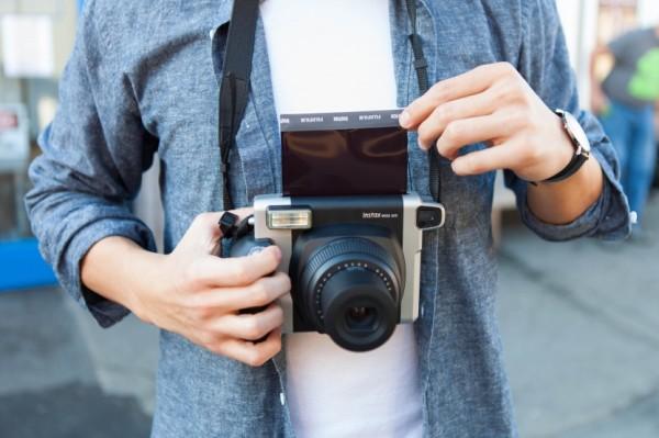 Fujifilm представила камеру моментальной печати Instax Square