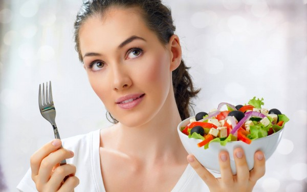 Ученые рассказали, чего не следует делать после еды