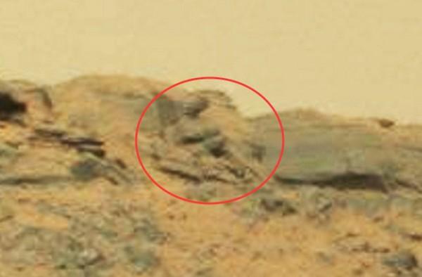 В Сети выложили видео с загадочной статуей на Марсе