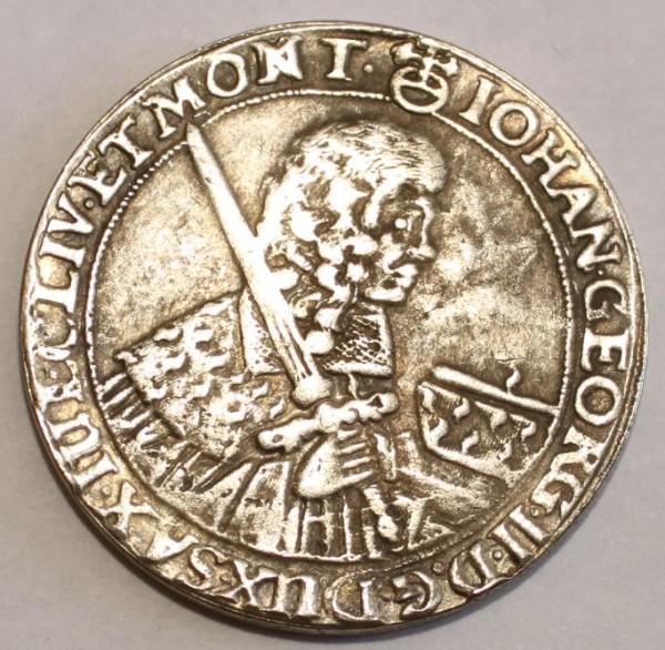 Французская монета XVII века подтверждает появление НЛО на Земле
