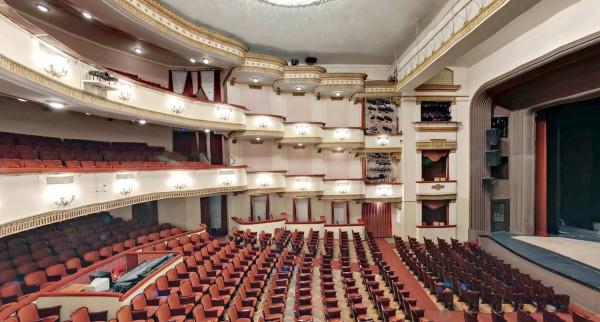 В Вахтанговском театре показали два документальных фильма о себе