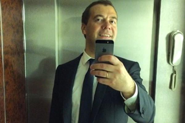 Медведев отрицает слова Путина о его болезни