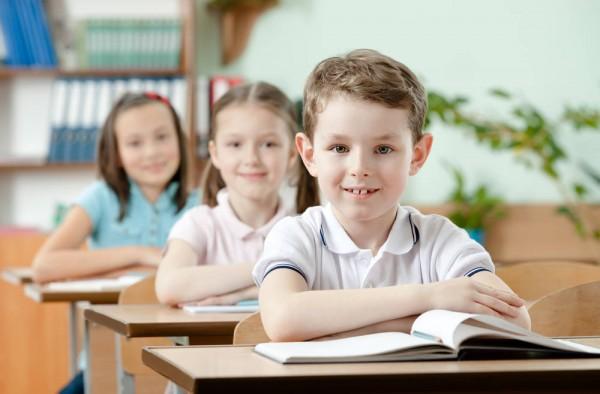 Ученые советуют отправлять детей в школу на год позже, чтоб они стали успешными