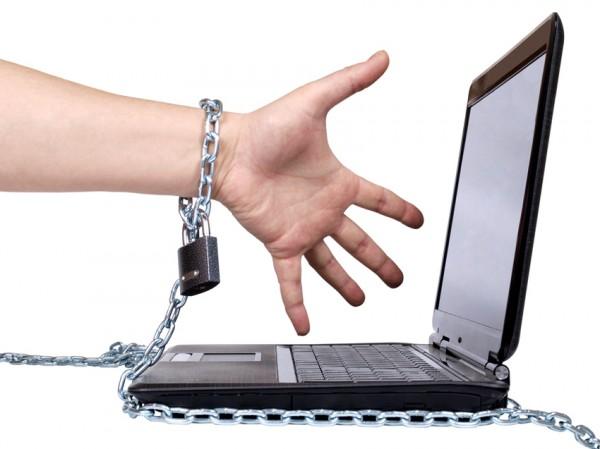 Блокировкой интернет-ресурсов займется спецкомиссия Роскомнадзора