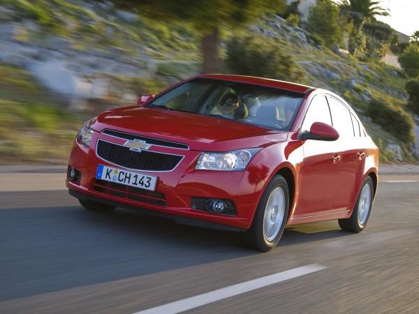 В Россию автомобили Chevrolet Cruze и Tracker вернутся под брендом Ravon