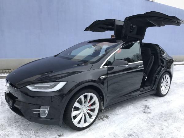 Tesla представила новую модель Model X P90D