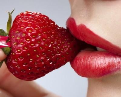 Учёные назвали фрукты и овощи с наибольшим содержанием пестицидов