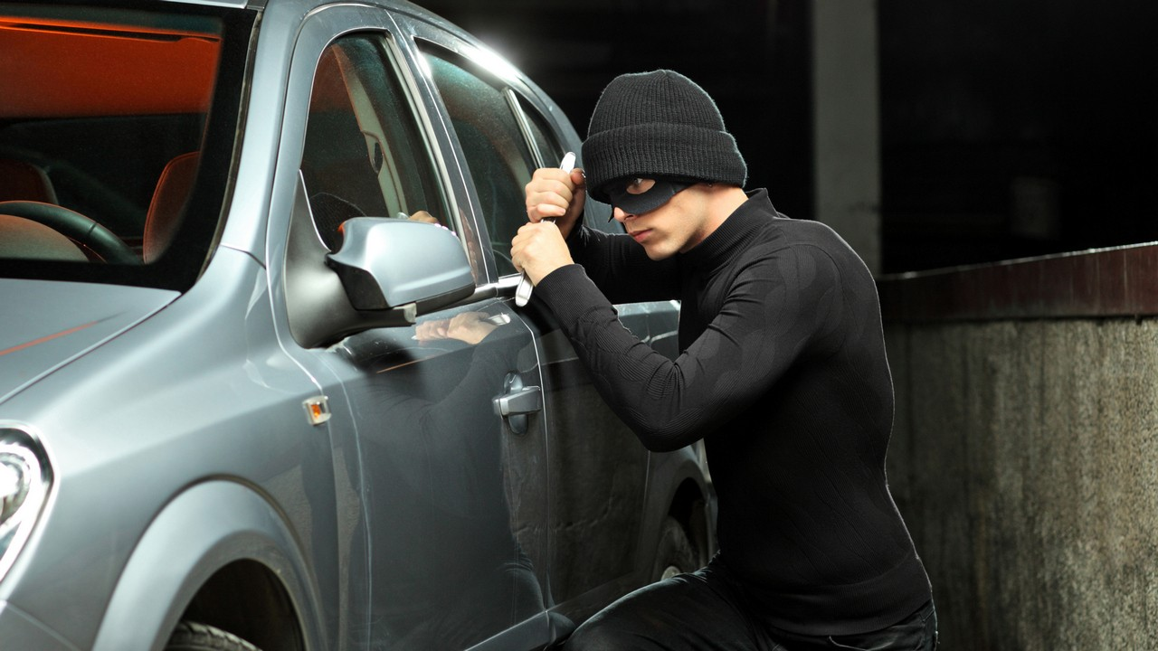 В столицеРФ разыскивается джип БМВ X5, угнанный вСВАО