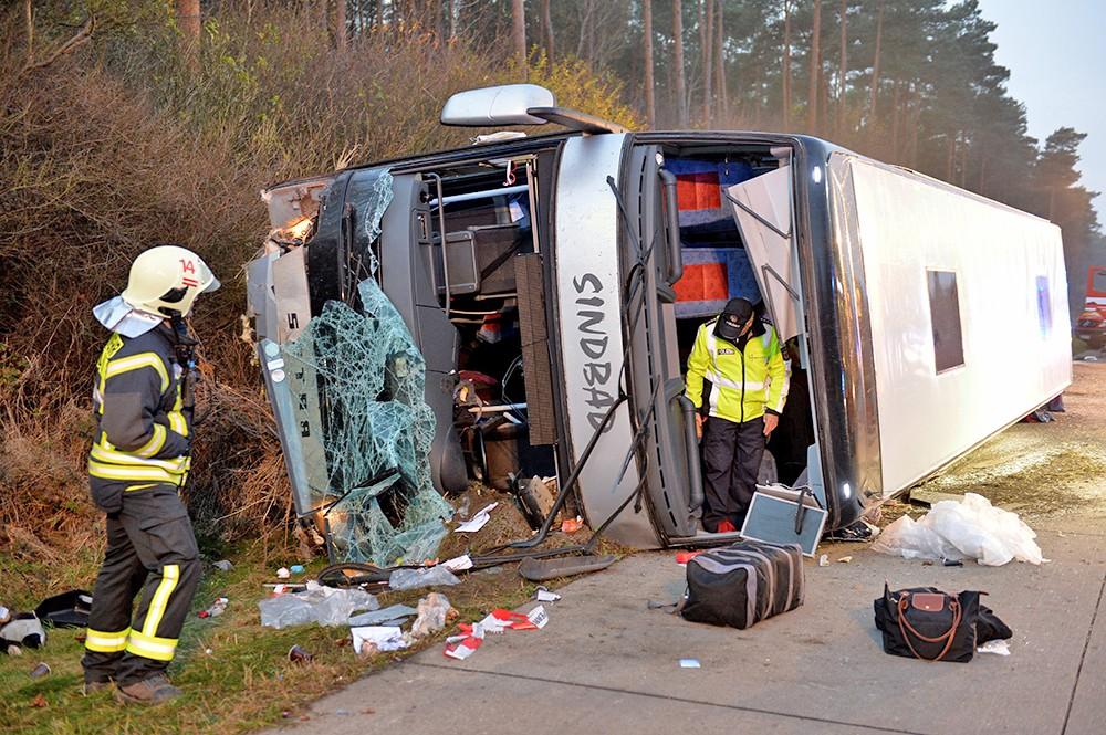 ВГермании 18 человек пострадали вДТП стуристическим автобусом