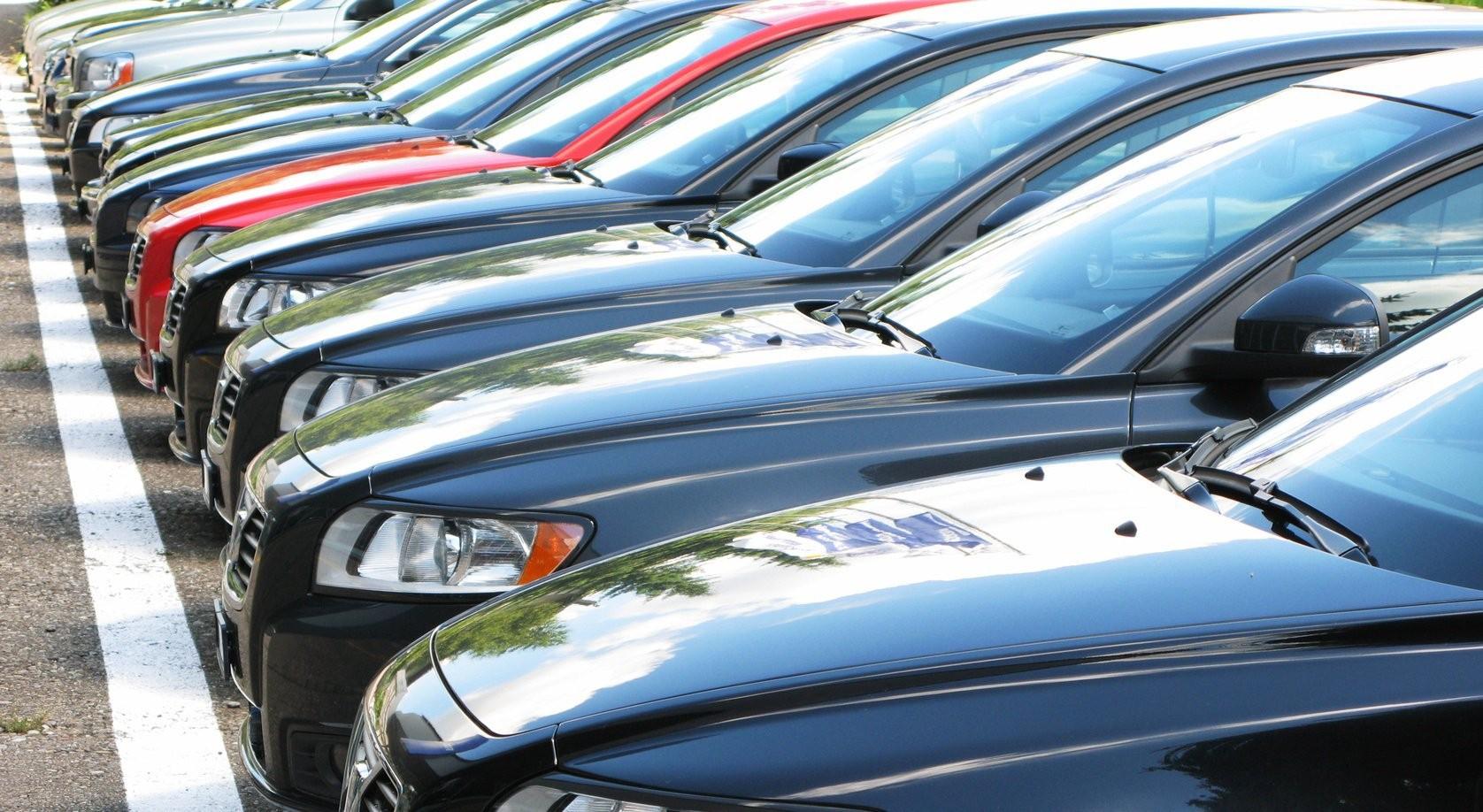 Названы автопроизводители, заработавшие в РФ больше всех