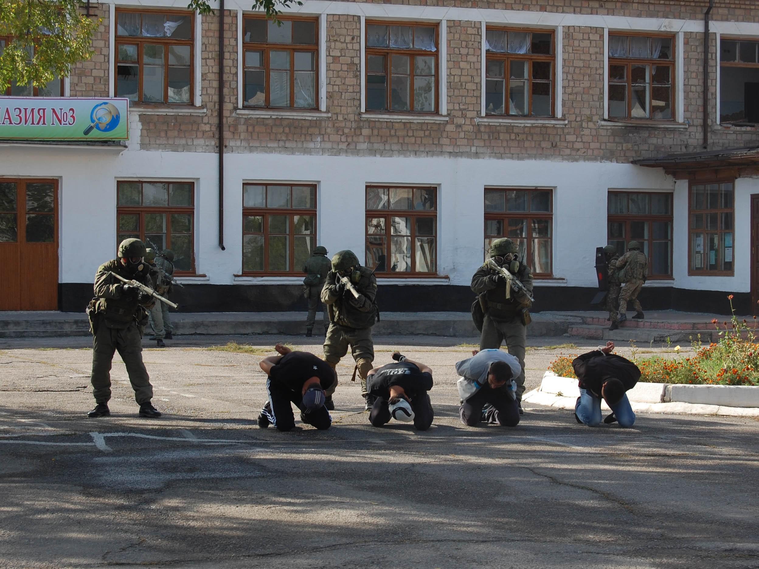 Подразделения антитеррора ЮВО наСтаврополье уничтожили условное НВФ