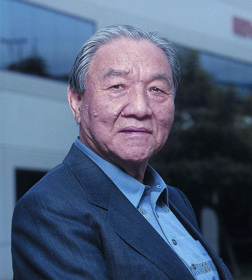 Скончался основатель компании-производителя электронных музыкальных инструментов Roland