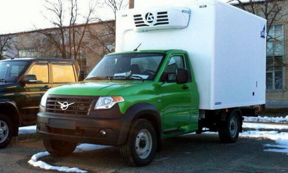 Новый фургон'УАЗ запечатлен на испытаниях