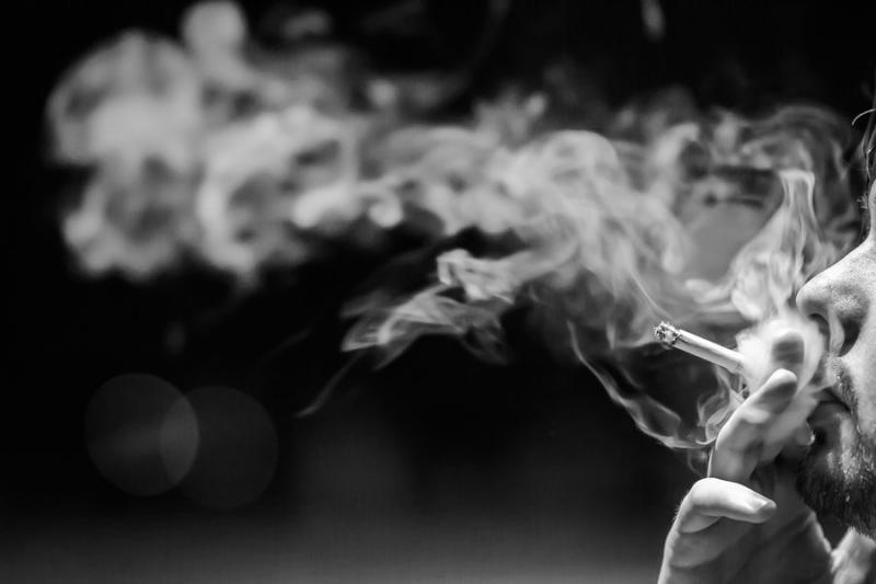 Ученые: курение плохо влияет наинтеллект мужчины