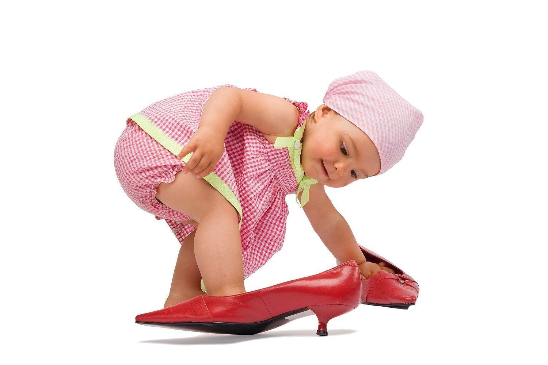 ВСША младенцам предлагают обувь накаблуках
