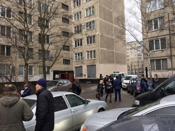 Петербург: вдоме наТоварищеском проспекте обезврежена бомба