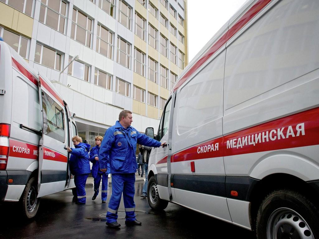 В северной столице изшколы эвакуировали 250 человек из-за странного запаха