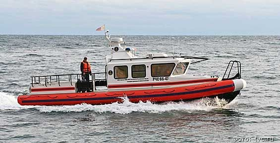 Cотрудники экстренных служб  ищут 2-х  пропавших мужчин вАвачинском заливе