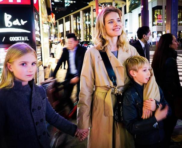 Наталья Водянова сдетьми наслаждается японскими каникулами