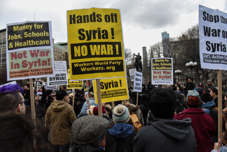 ВНью-Йорке прошли акции протеста против ракетного удара США поСирии