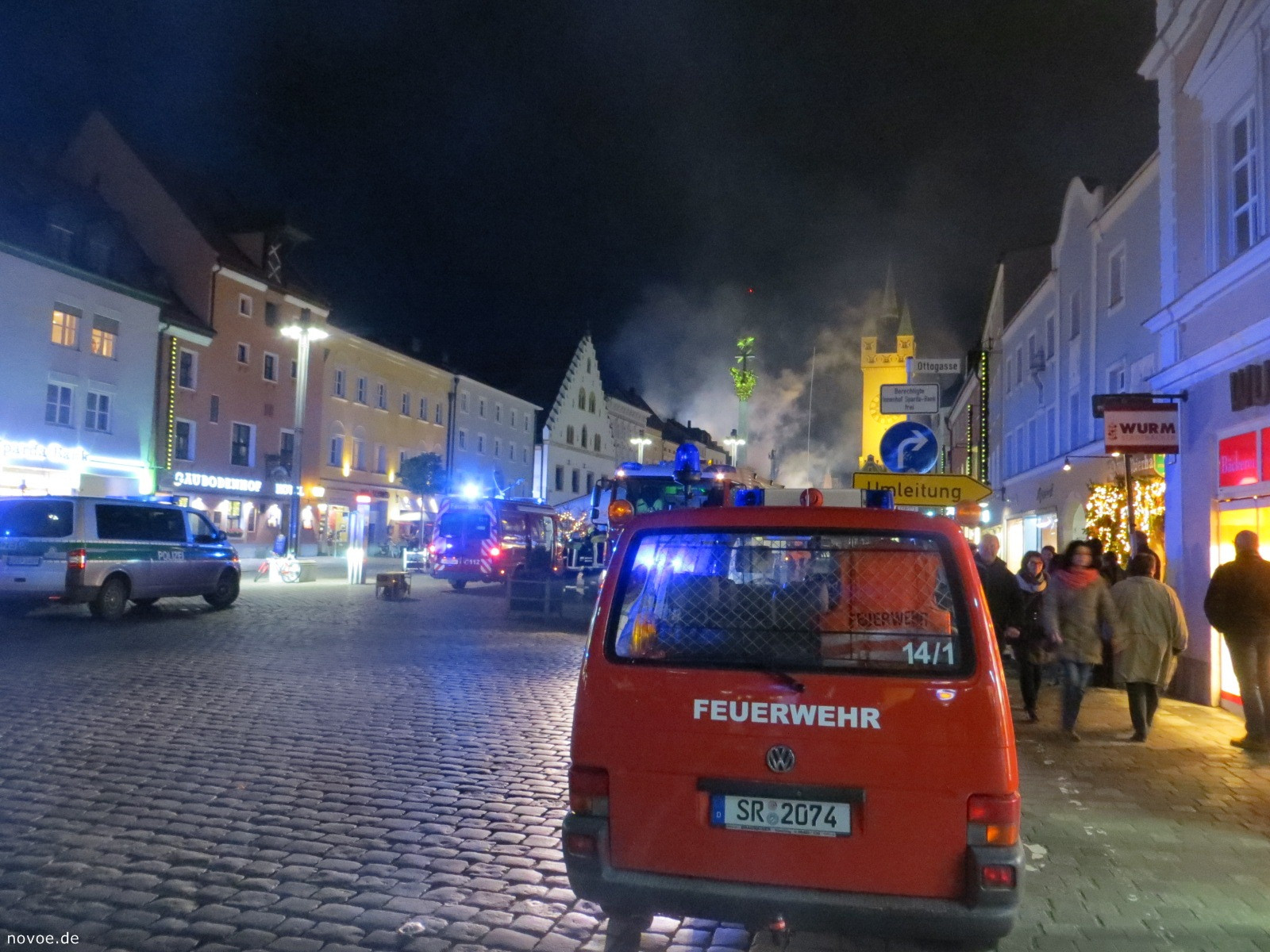 ВГермании мужчина наавтомобиле протаранил ратушу