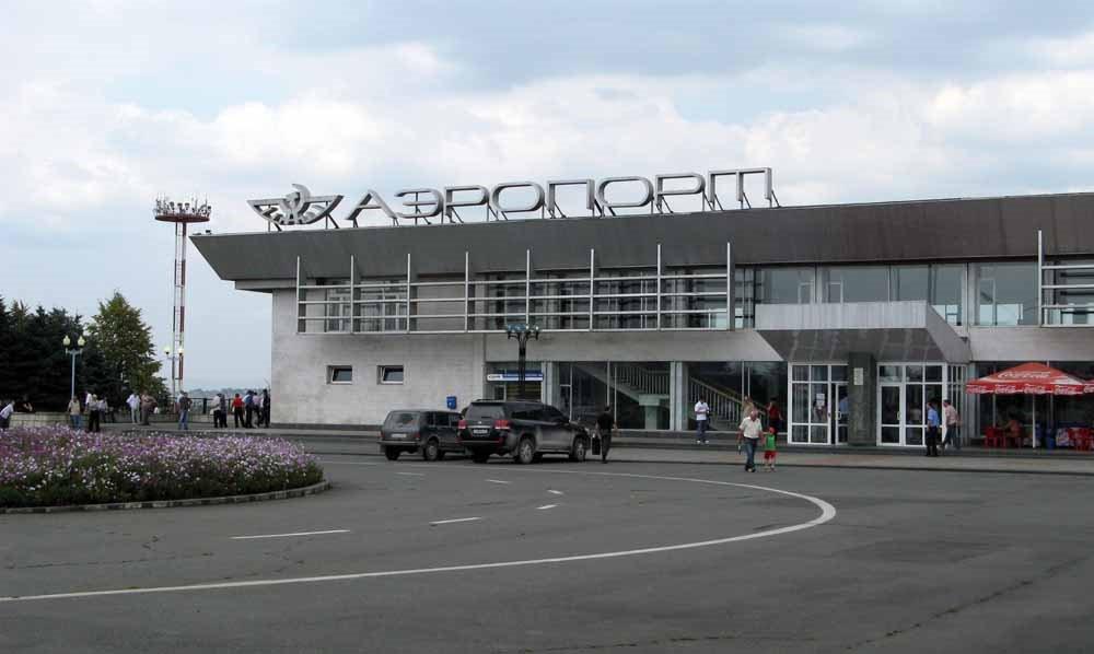 Ваэропорту Владикавказа полицейский открыл огонь