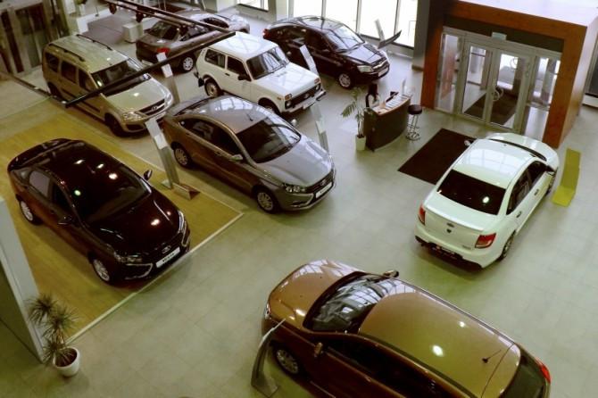Продажи новых машин в России выросли в марте почти на 10%