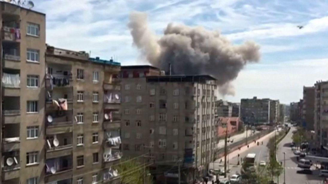 В Турции ведется изучение причин взрыва в Диярбакыре