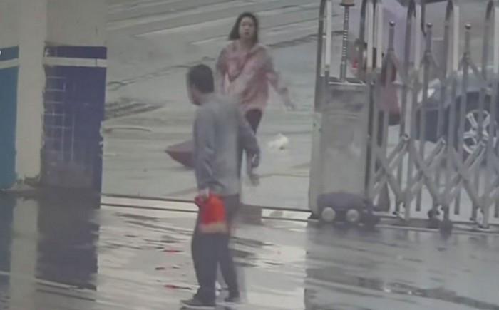 ВКитайской народной республике уличный мошенник поошибке прибежал сдобычей вполицию