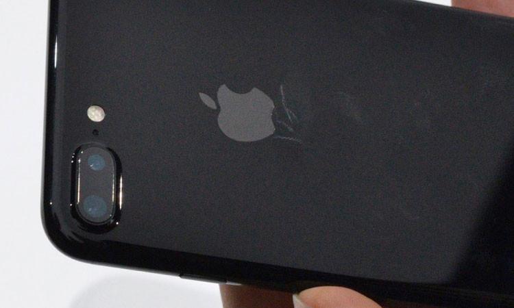 Юзеры темных iPhone 7 столкнулись спроблемой