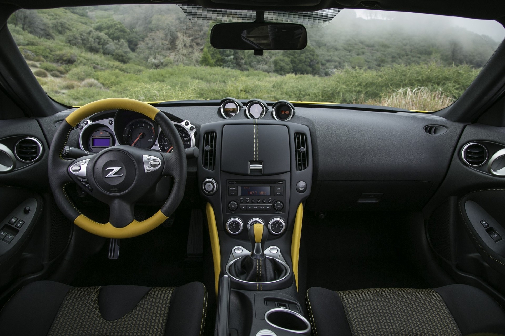 Ниссан выпустил спецверсию 370Z Heritage Edition вчесть 50-летия модели