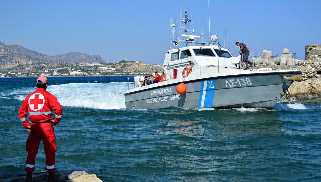 Туристическое судно затонуло около греческого острова Миконоса