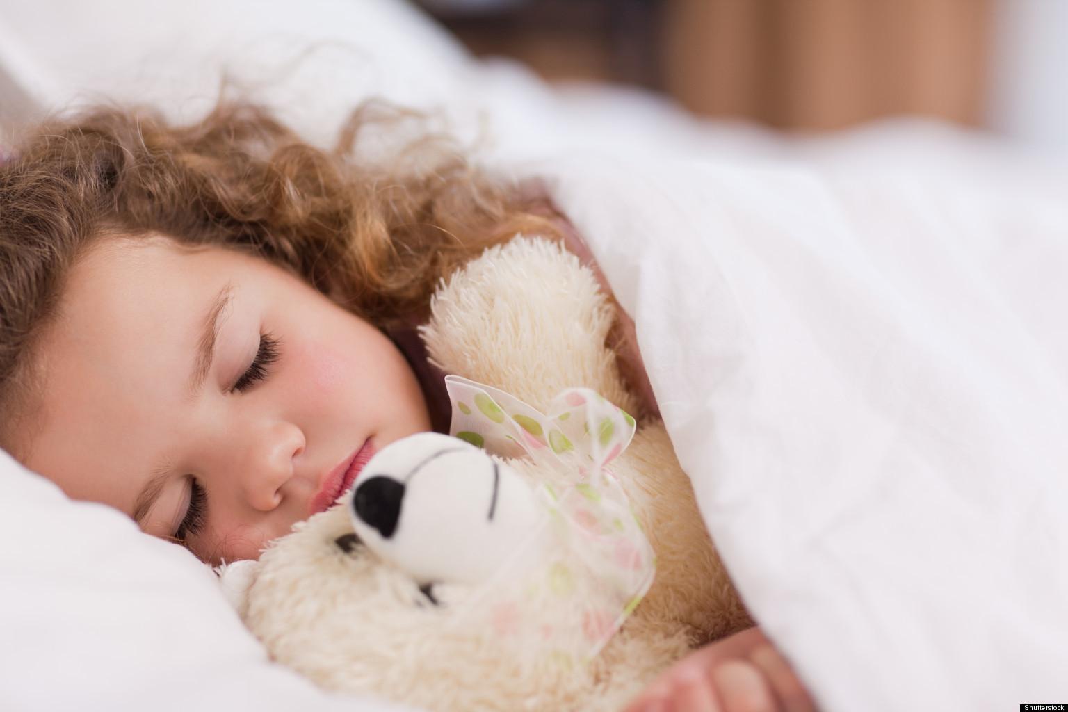 Ученые доказали, что мобильные телефоны отнимают удетей сон