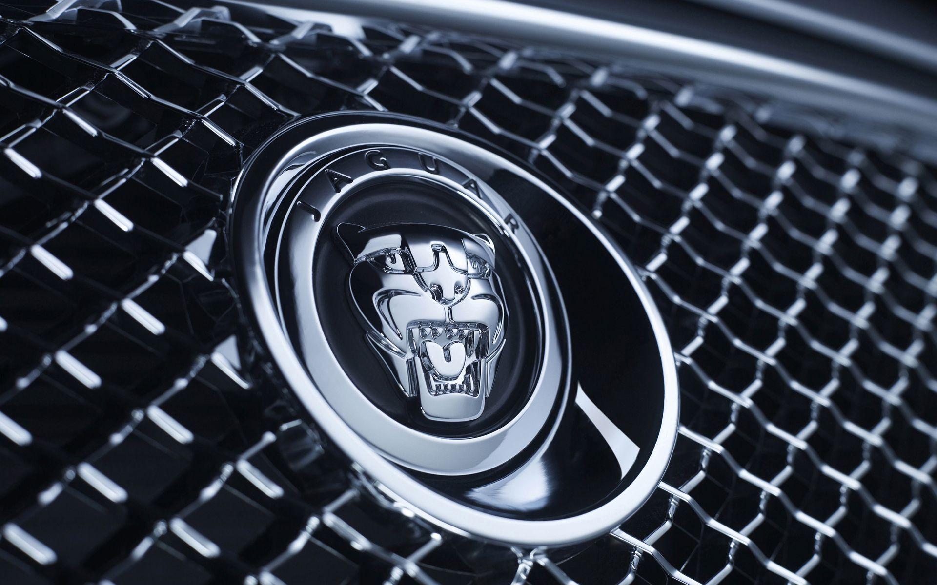 Ягуар собирается выпустить необычайный спорткар сгибридным двигателем