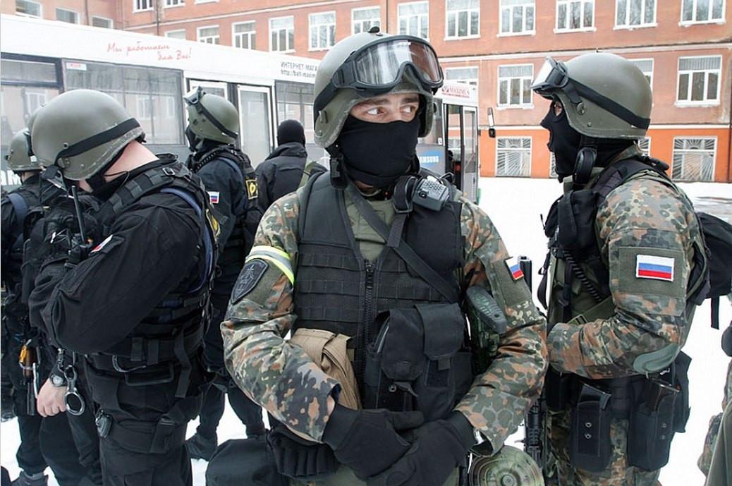 ФСБ накрыла группу контрабандистов оружия изУкраины иЕС