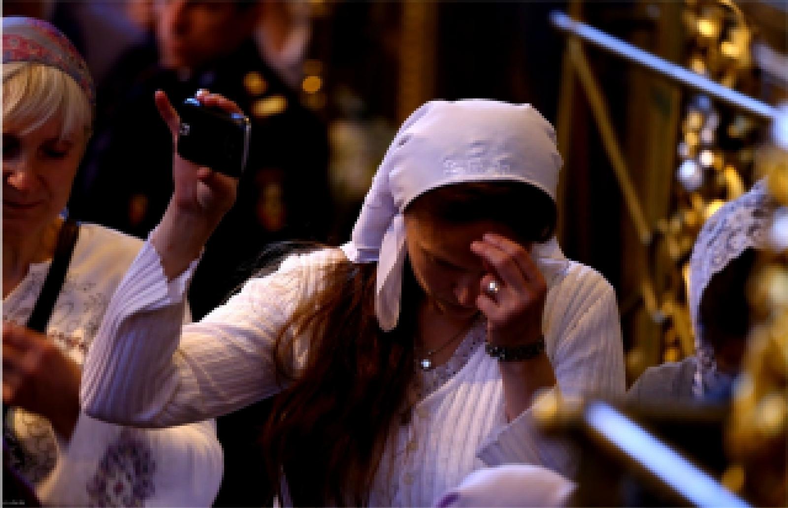 РПЦ призвала верующих ходить вцерковь недля селфи