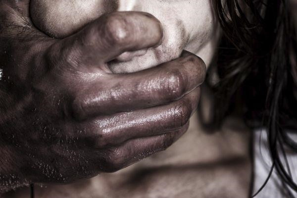 НаСтаврополье мужчина изнасиловал сестренку , угрожая ейножом