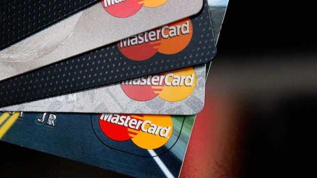 Накартах MasterCard появится индикатор  отпечатка пальца