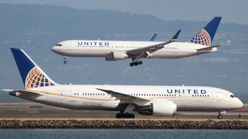 Руководитель United Airlines может потерять работу из-за скандала спассажирами