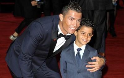 Сын Роналду забил в ворота в стиле отца