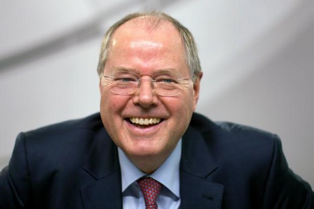 Экс-министр финансов Германии неожиданно стал комедийным артистом