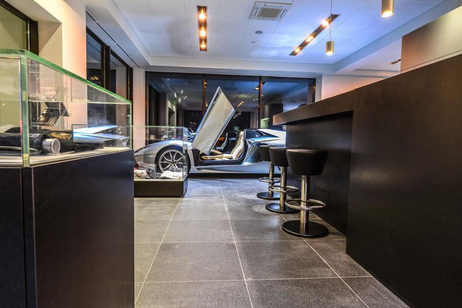 ВПетербурге открыт новый салон Lamborghini