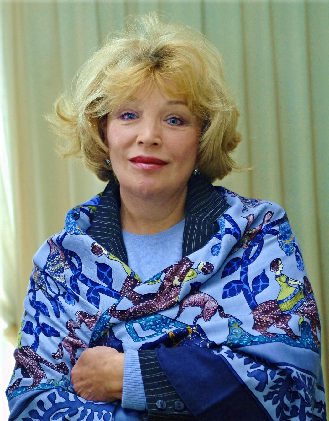 Актрису Ольгу Остроумову госпитализировали сболью вколенном суставе в столице России