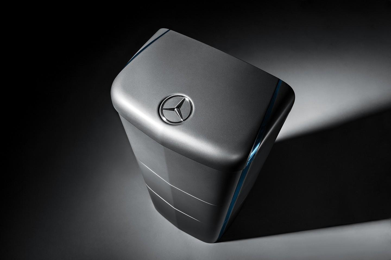 Benz делает новый автономный аккумулятор— соперник Tesla