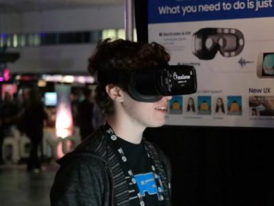 Samsung FaceSense упрощает взаимодействие с VR-средой