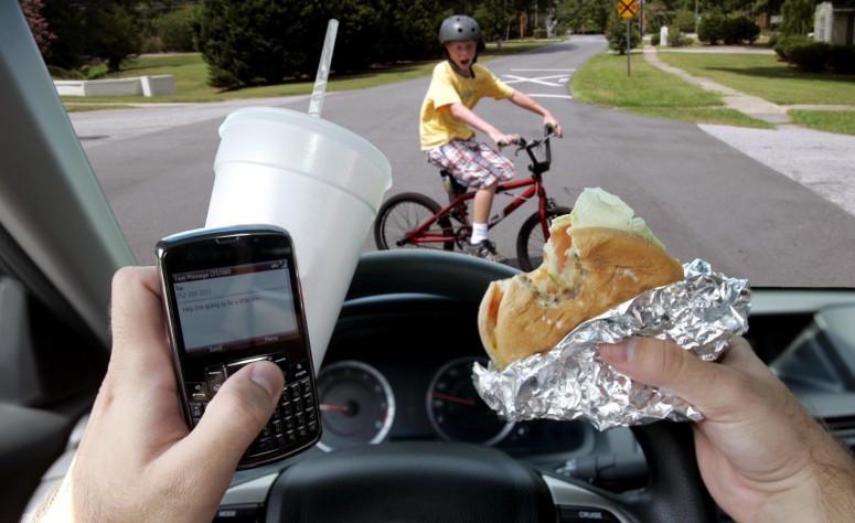 Самсунг разработала приложение, отвечающее назвонки вместо водителя